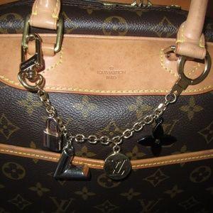 Kaleido V Bag Chain Charm